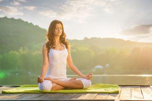 7 maneras efectivas de practicar el silencio para reducir el estrés