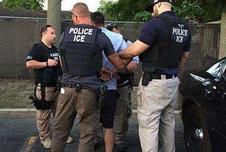 Proyecto de ley busca proteger a inmigrantes de 'La Migra' en cortes de NY