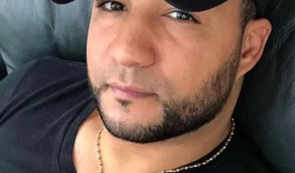 Investigan misteriosa muerte de barbero dominicano hallado sentado sin vida en su cama en NYC