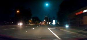Videos del meteoro que ardió de un azul verdoso brillante en el cielo de Florida