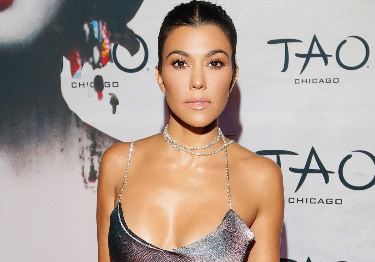 Kourtney Kardashian expuso sus intimidades en un bodysuit de lencería negra en Instagram