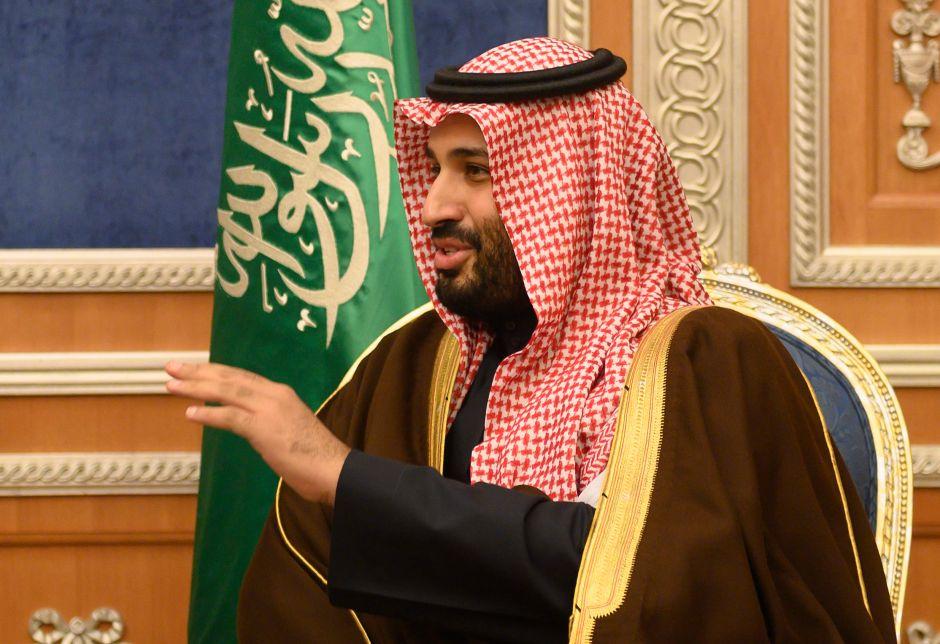 Arabia Saudí exhibe un cuerpo crucificado después de ejecutar a 37 personas