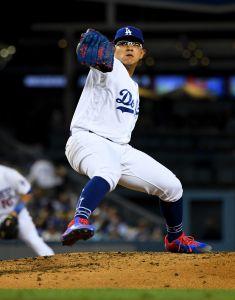 Julio Urías hace recordar al 'Toro' Valenzuela, pero los Dodgers piensan sacarlo de su rotación