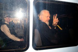 Fundador de Wikileaks es arrestado tras solicitud de extradición de Estados Unidos