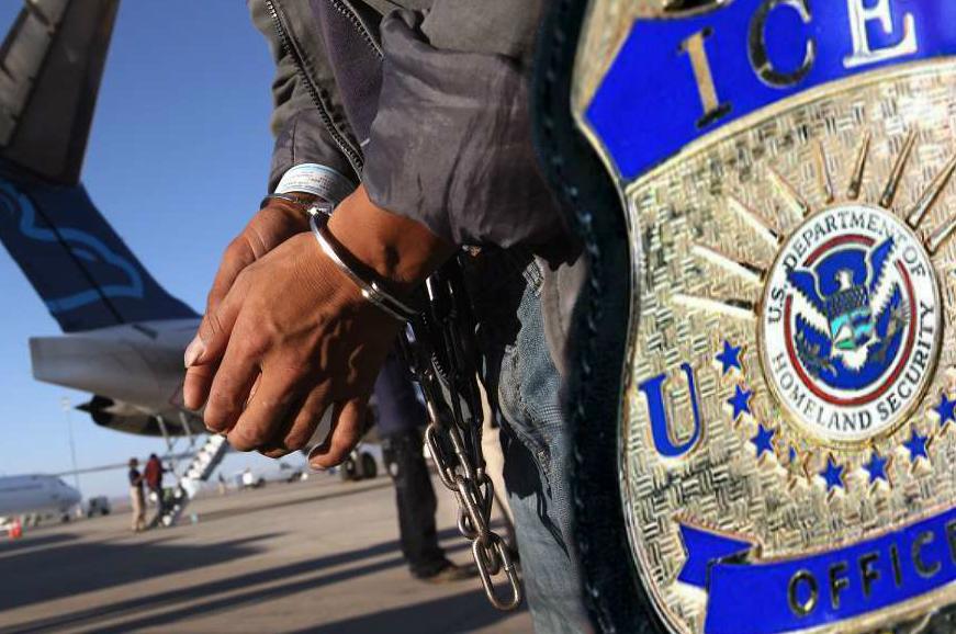 """Alerta por cambio migratorio que deportaría a miles de inmigrantes sin el """"debido proceso"""""""