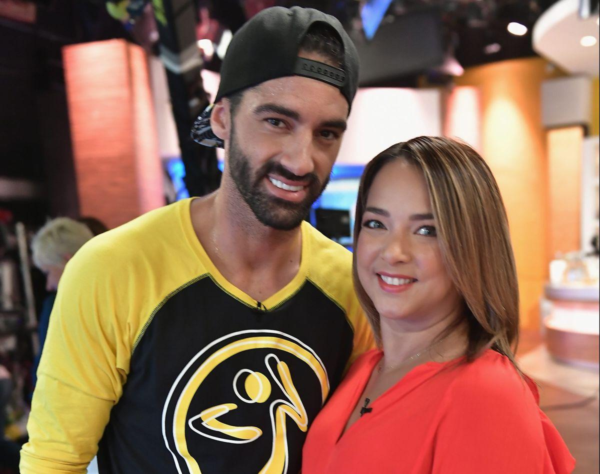 Adamari López y Toni Costa comparten un Facebook Live y hablan de la boda