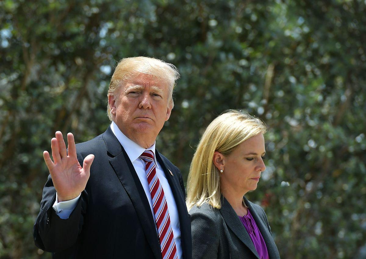 Trump y la exsecretaria de Seguridad Nacional Kirstjen Nielsen