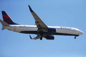 Delta Air Lines vetó a 120 pasajeros de viajar con ellos por rehusarse a usar mascarillas