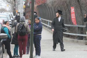 Padres judíos demandarán al alcalde por obligarlos a vacunar a sus hijos en epidemia de sarampión