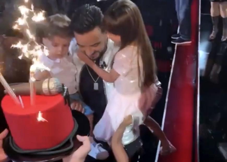 Luis Fonsi recibe tremenda sorpresa de cumpleaños
