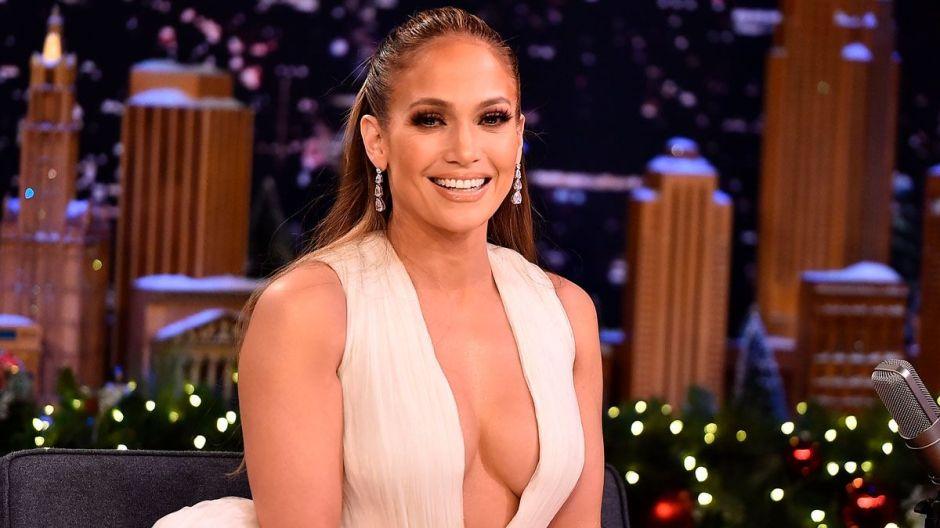 Jennifer López empezó su gira y en concierto cantó con Emme en vivo