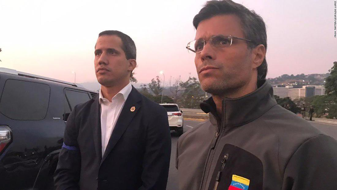 Guaidó realiza pronunciamiento militar tras liberar a Leopoldo López en Venezuela; EEUU apoya