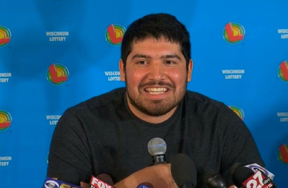 """Hispano de 24 años al ganar los $768 millones del Powerball: """"Es un sueño que no creí que podía pasar"""""""