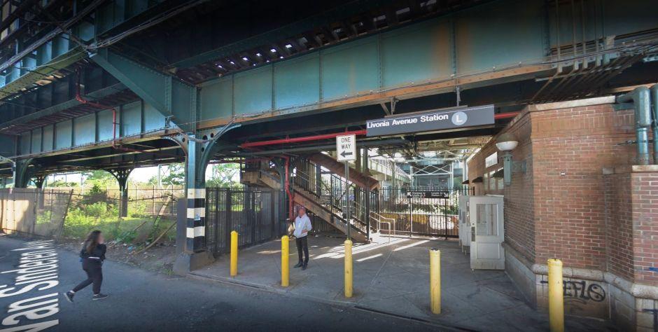 Pasajero descubre cadáver de un hombre en vías del Metro de Nueva York