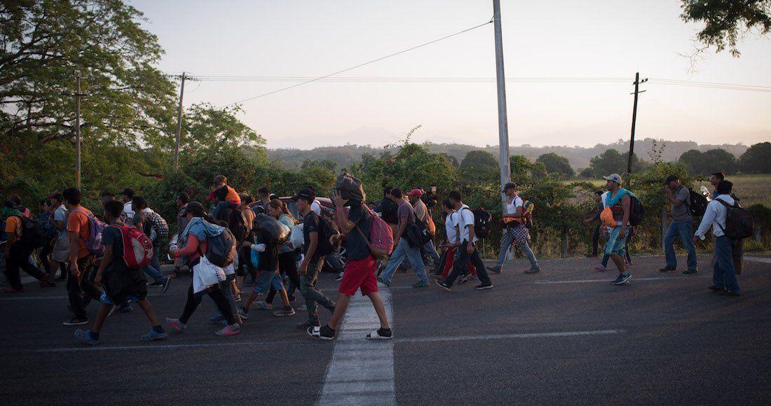 Miles de hondureños parten hacia Oaxaca tras hacer escala en Chiapas