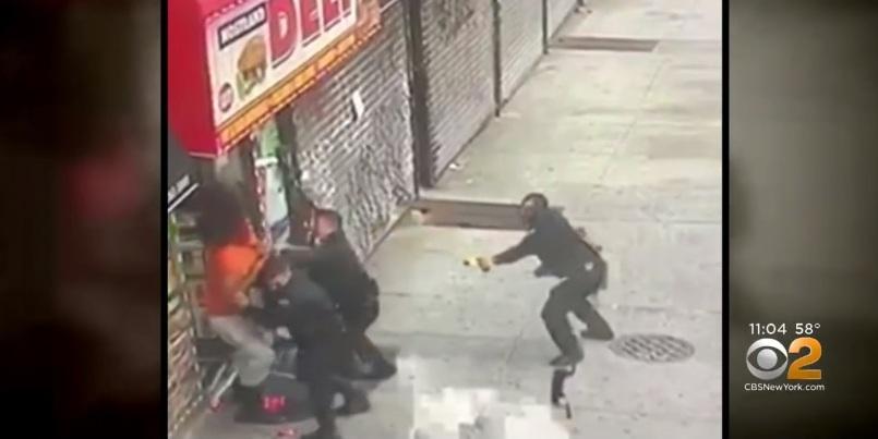 Hispano que dominó a 4 agentes no se rinde y le da puñetazo a otro policía desde su cama de hospital