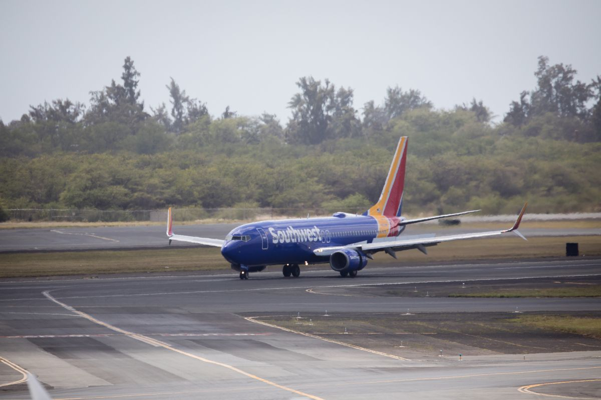 ¿Southwest Airlines sacó a simpatizante de Trump de vuelo por quitarse la mascarilla para comer?