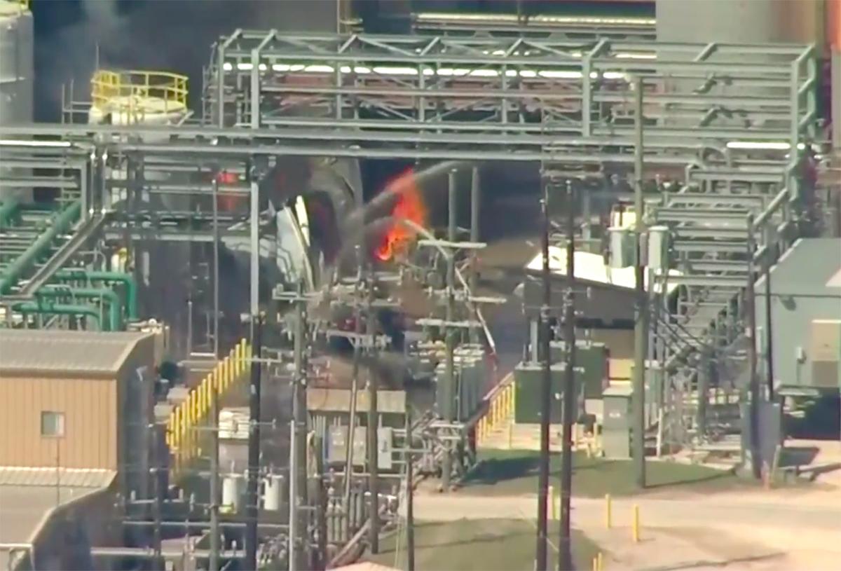 Un muerto y al menos dos heridos por explosión en planta química cerca de Houston