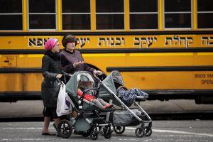Juez rechaza demanda de padres judíos que se oponen a vacunar a sus hijos contra el sarampión