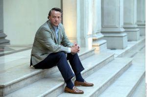 Más problemas para Alfredo Adame: Hacienda le exige millones