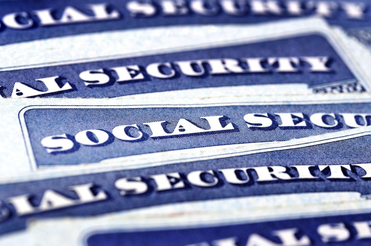 Seguro Social alerta a beneficiarios de cheque de estímulo para que reclamen crédito de $500 por dependientes