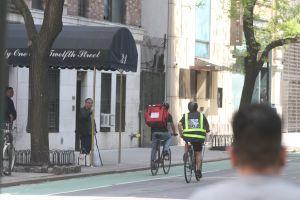Nueva York impulsa regulación de bicicletas eléctricas que ayudaría a indocumentados