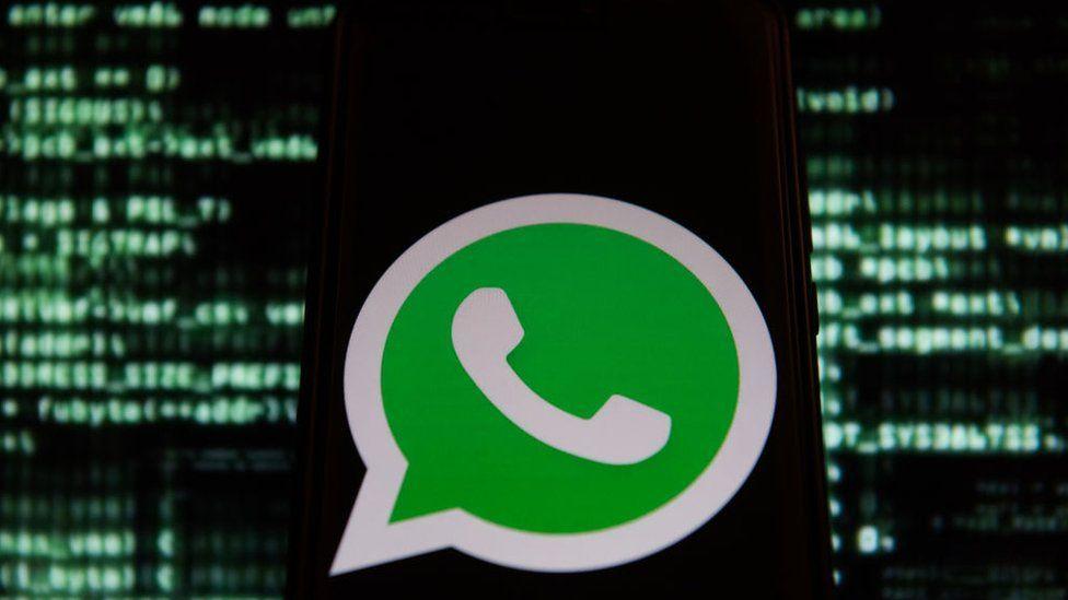 La falla en WhatsApp por la que hackers te estarían espiando