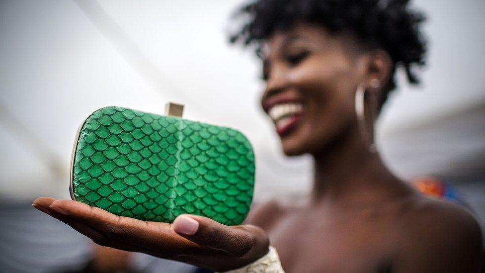 El creciente negocio de la piel de pescado por el que apuestan marcas de lujo como Dior y Ferragamo