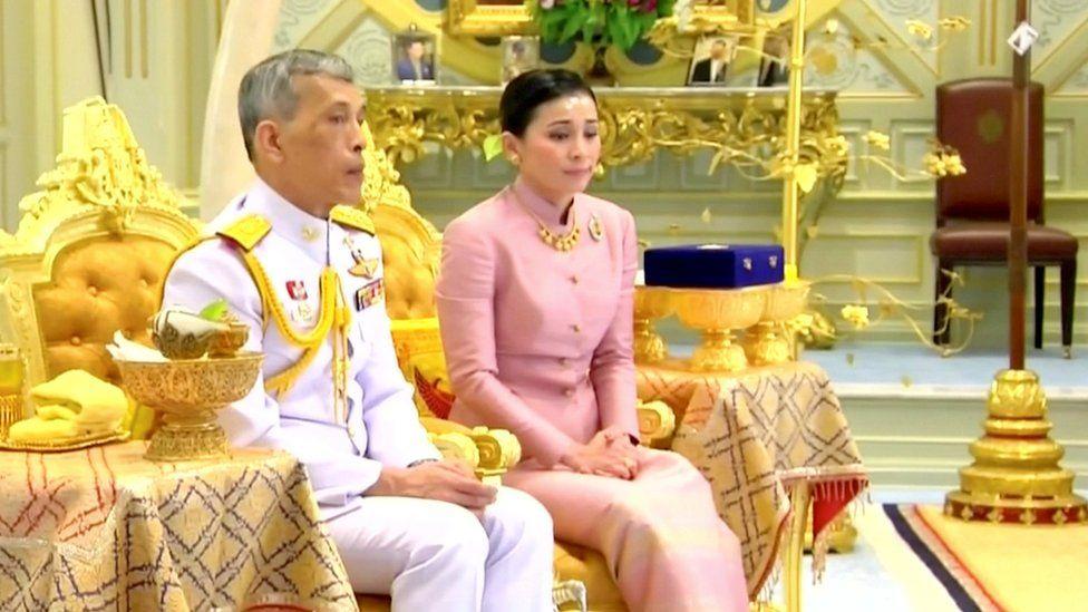 """La """"guardaespaldas"""" que acaba de convertirse en reina de Tailandia"""