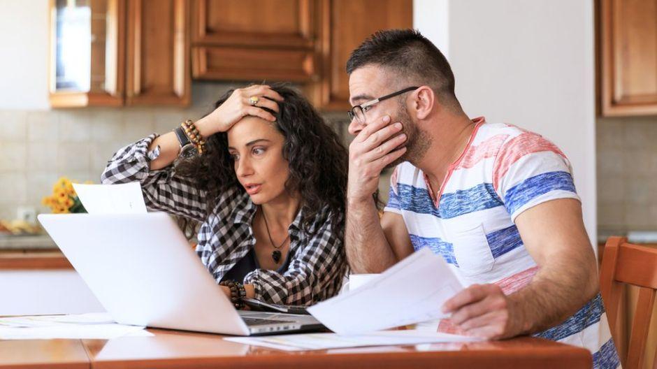 Qué es la infidelidad financiera y cómo pone en peligro las relaciones modernas