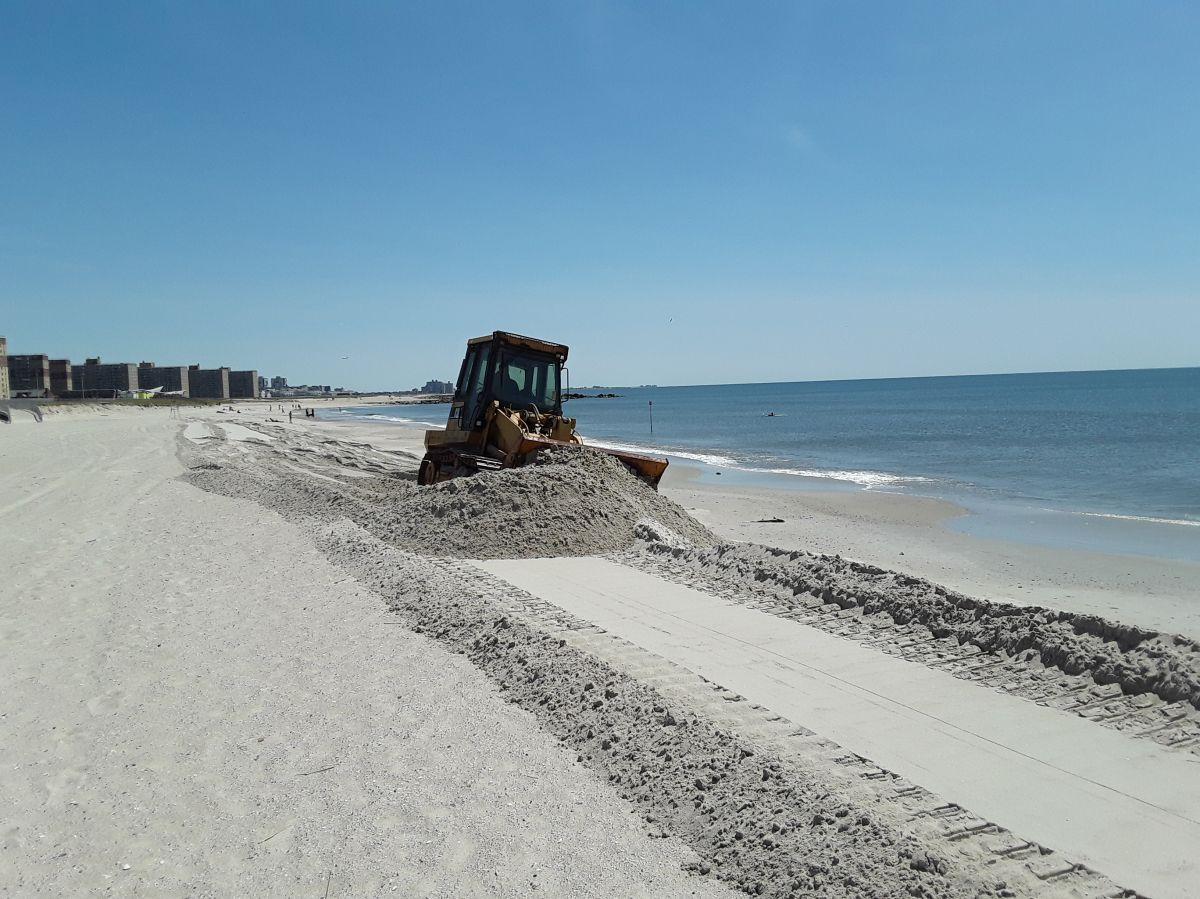 Negocios de la playa Rockaway esperan hacer su agosto este verano