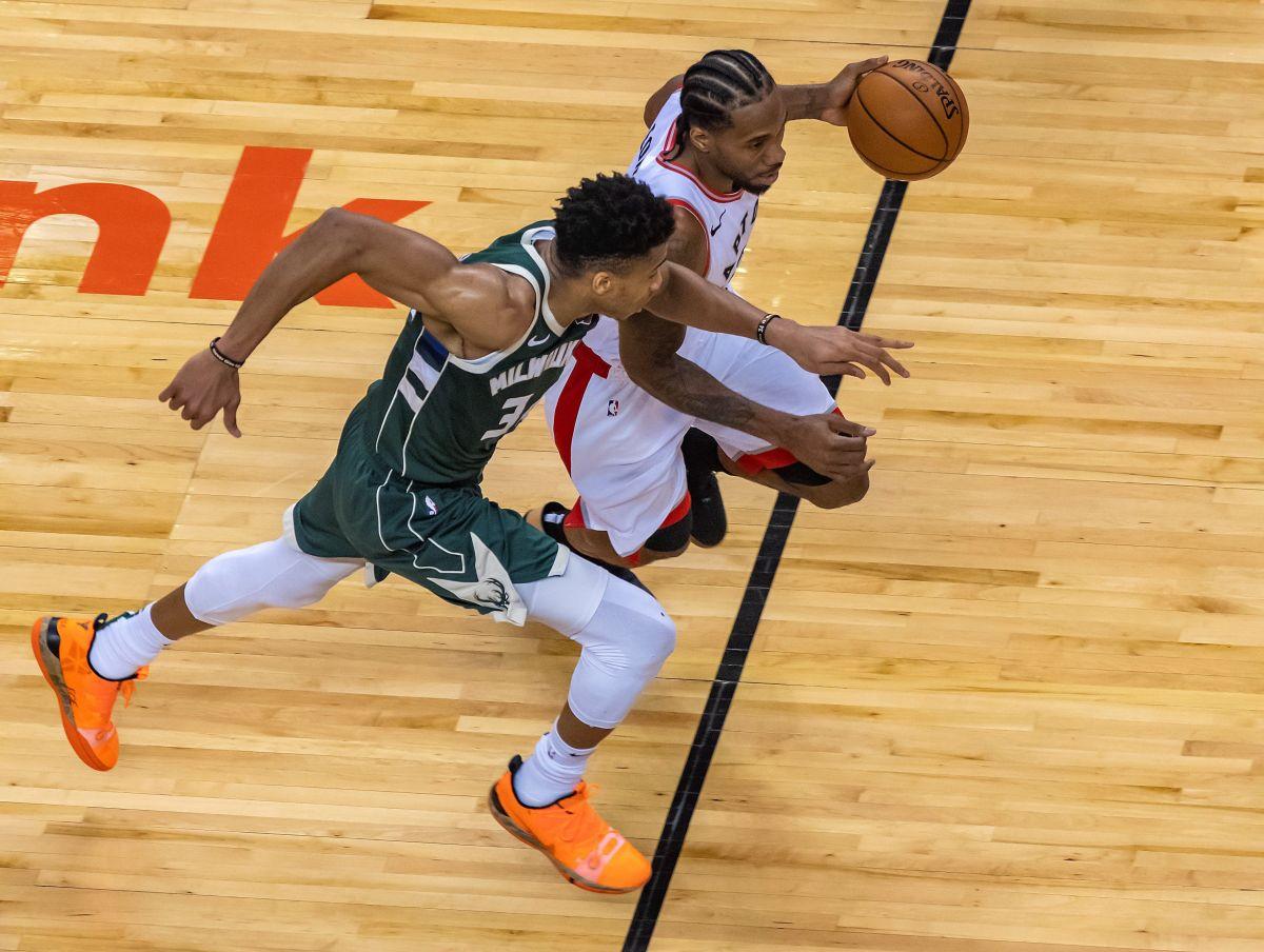 Raptors vencen a Bucks en Toronto e igualan la serie