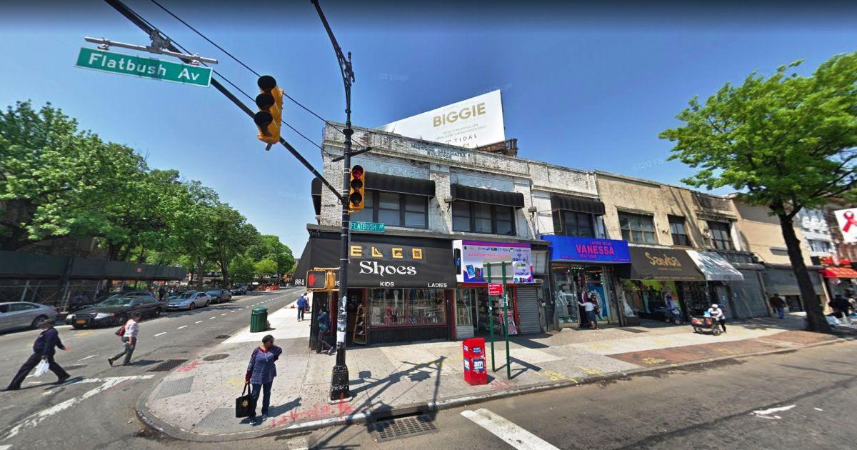 Pintor muere acuchillado en calle de Brooklyn a plena luz del día