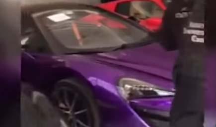 """Los Ferraris, Lamborghinis y McLarens confiscados en operativo contra los """"narco hackers"""" de Guanajuato"""