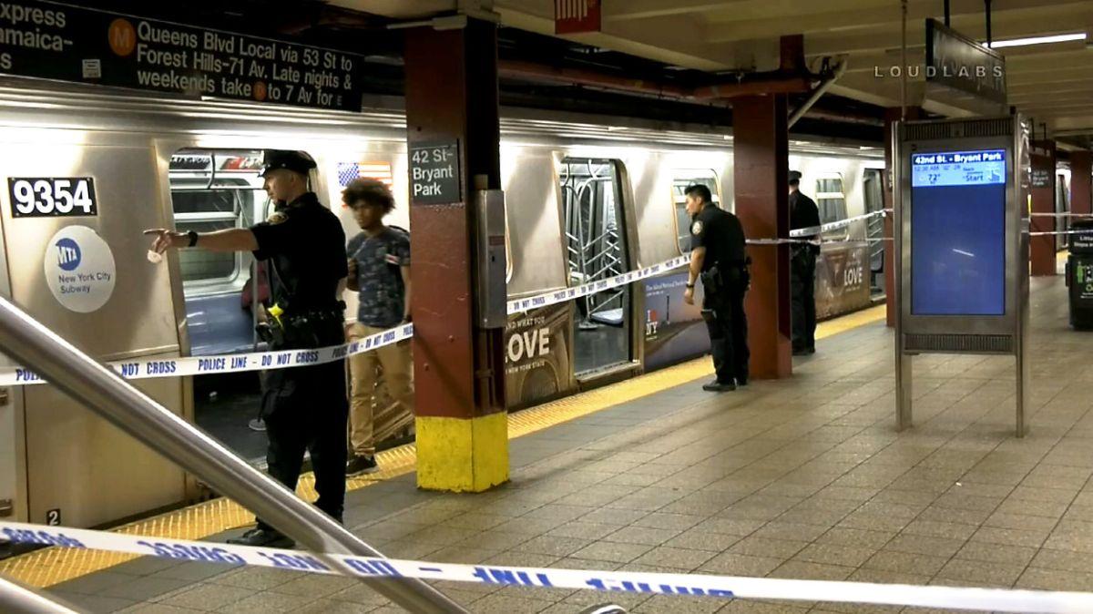 Arrestan a chica de 16 años con pistola y marihuana en el Metro; hombre doblemente apuñalado