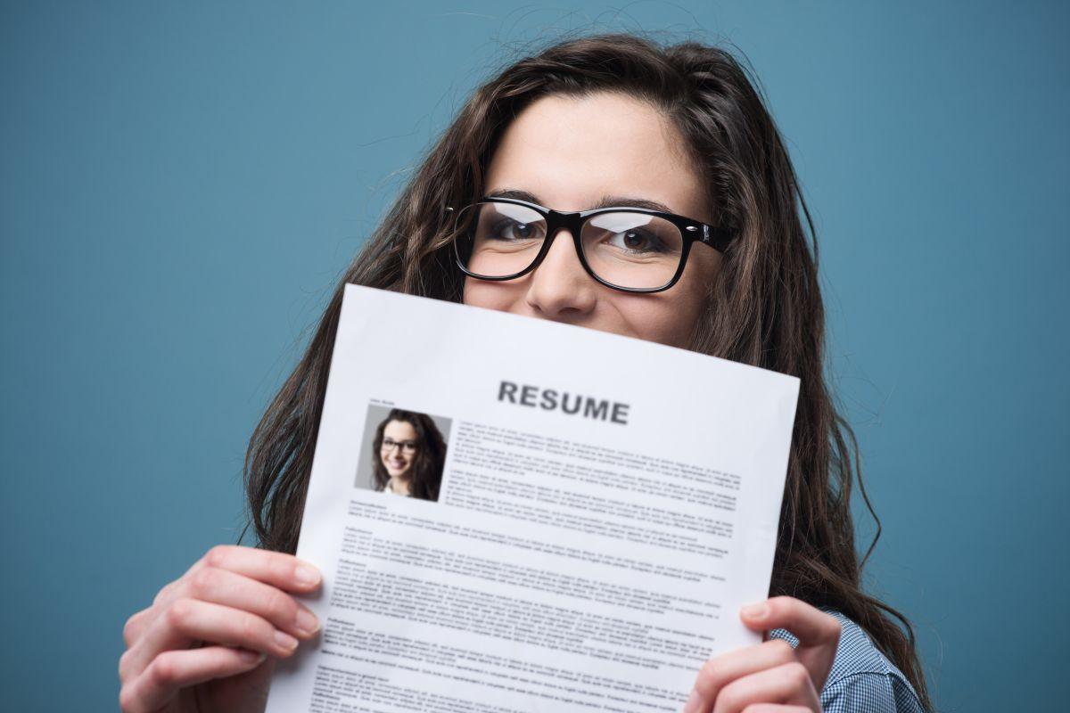 Además del resumé hay otros aspectos que cuidar cuando se solicita empleo./Shutterstock