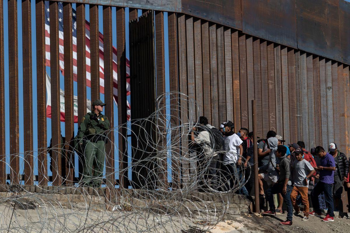 Trump estaría sopesando un plan para negar asilo a inmigrantes en la frontera