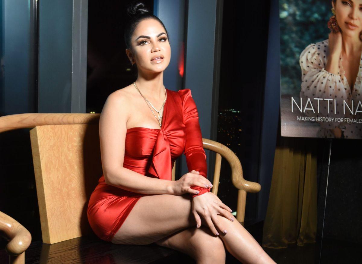 Natti Natasha va en busca del vestido de novia, pide el anillo y Fernando Carrillo responde