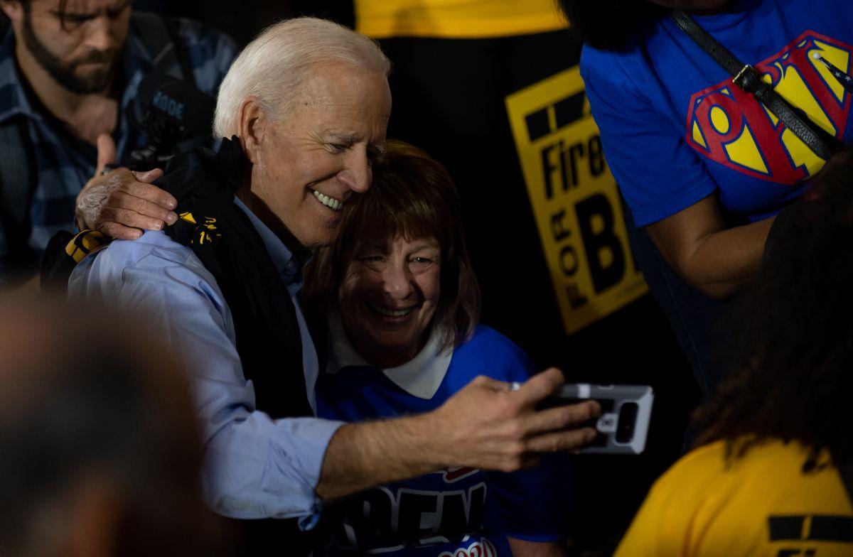 """Joe Biden lanza video en español: """"Nosotros el Pueblo"""""""