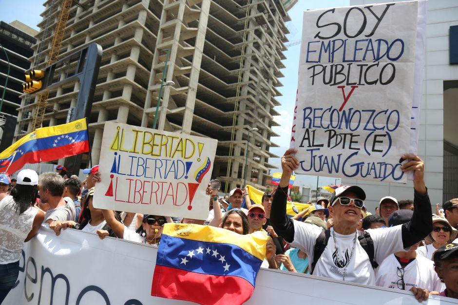 Avanza en el Congreso amnistía TPS para inmigrantes venezolanos y más ayuda humanitaria