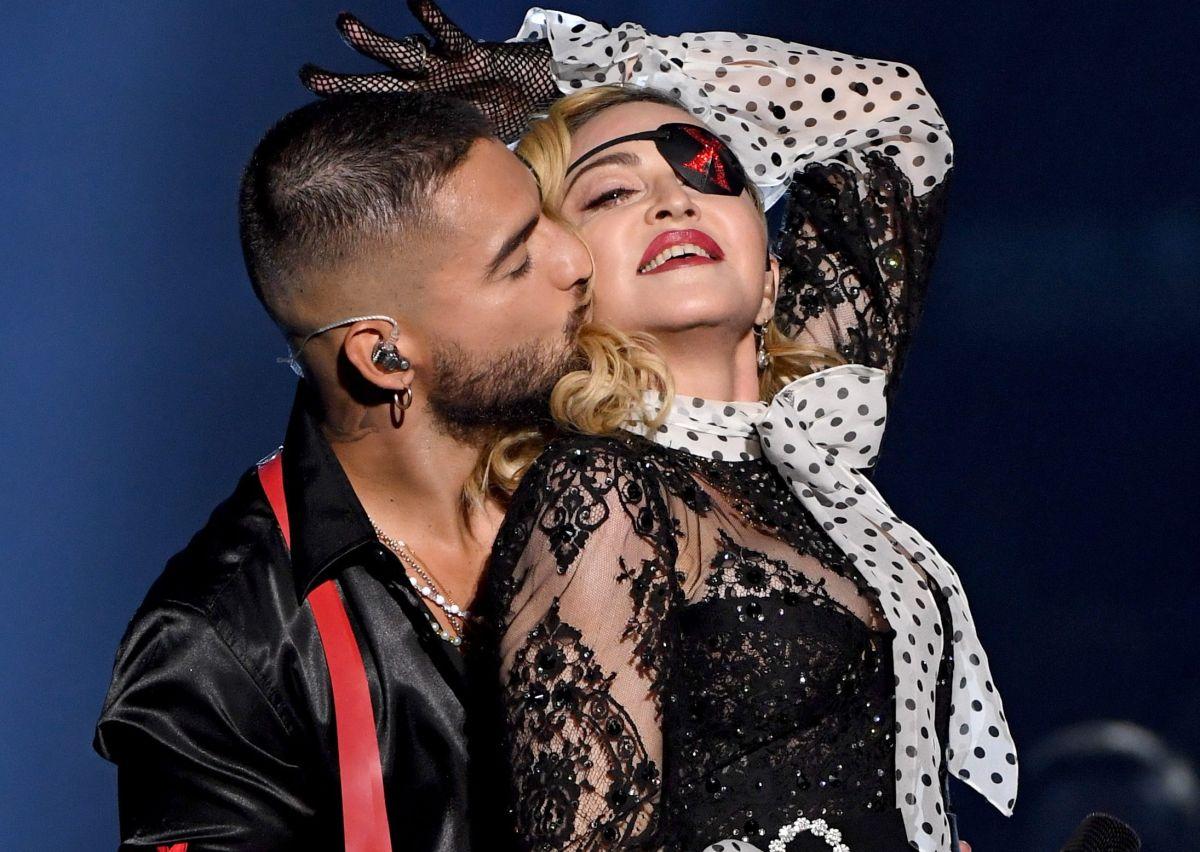 Madonna le pidió permiso a Maluma antes de chuparle los dedos de los pies