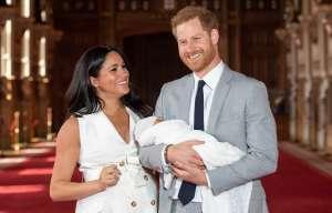 La familia real británica aparta su molestia con los duques de Sussex y celebra el segundo cumpleaños de Archie