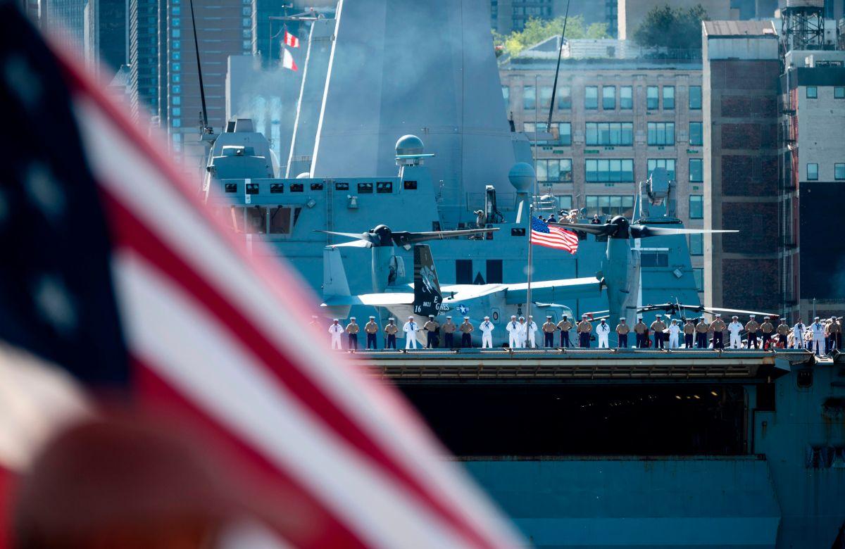 """Nueva York recibe a miles de marinos por la """"Semana de la Flota"""""""