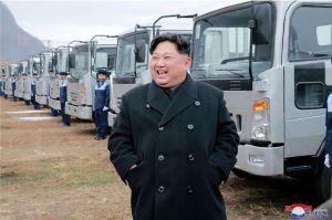 Daimler dice no saber cómo es que el presidente de Corea de Norte consiguió las limusinas de su marca