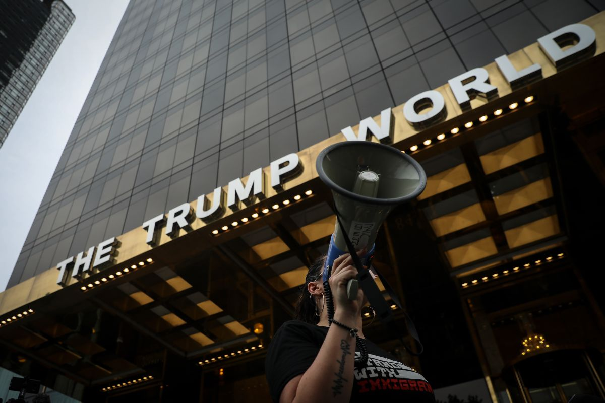 """Descubren """"trampa"""" de Trump con gobiernos extranjeros y su torre internacional en Nueva York"""