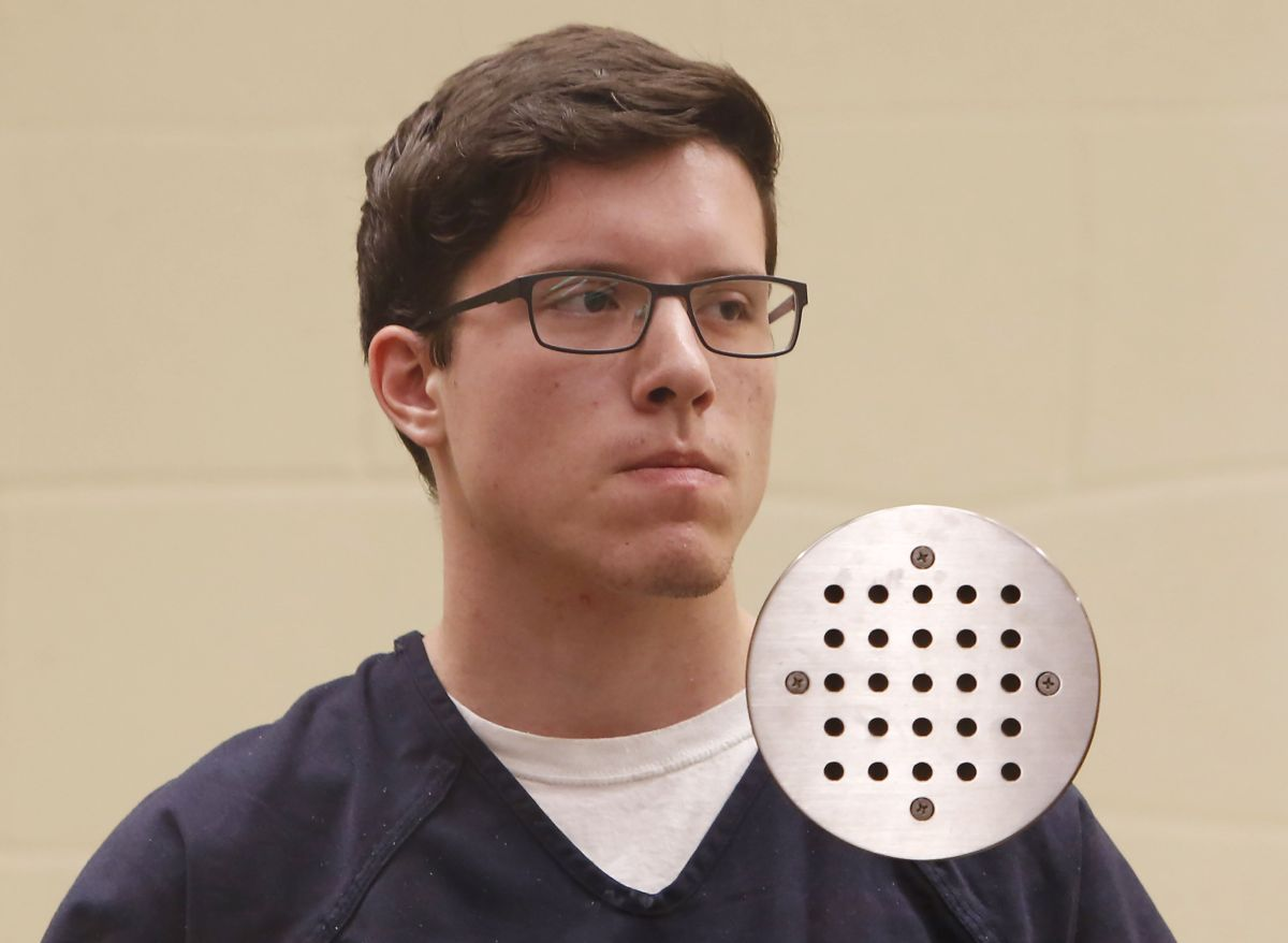 Presentan 109 cargos contra el autor de tiroteo en sinagoga cerca de San Diego