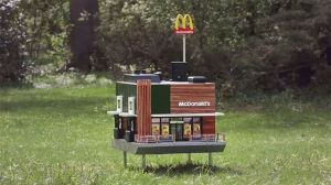 Este es el McDonald's más pequeño del mundo, y no es para humanos
