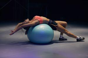 Para perder grasa abdominal, ¿es más importante la dieta o el ejercicio?