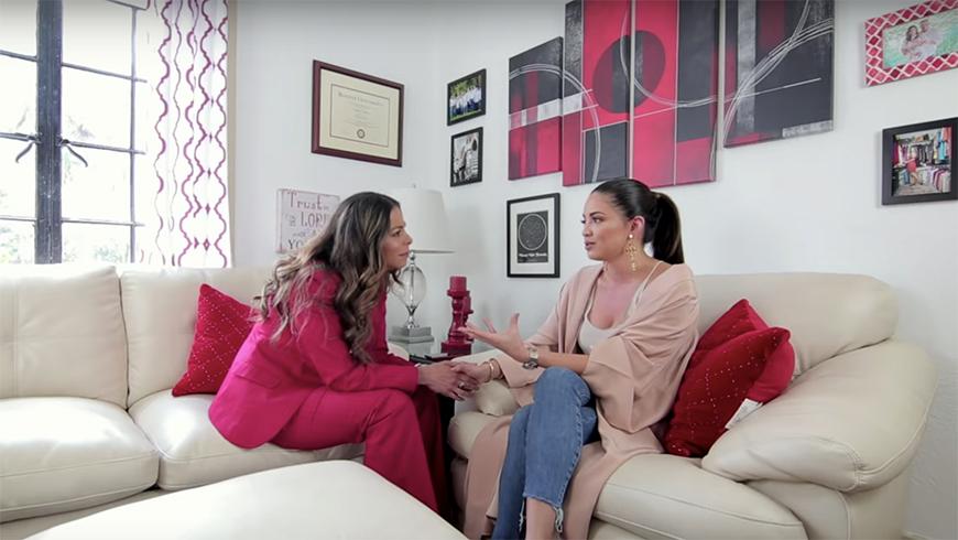 Pamela Silva-Conde con Lourdes Stephen