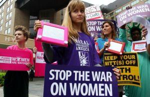 Vergonzosos ataques a los derechos y la autonomía de la mujer